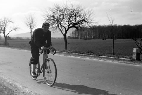 ARH NL Dierssen 1010/0020, Radrennfahrer Heinrich Schwarzer, 1950