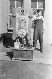 ARH NL Dierssen 1011/0020, Alte Handwerkerlade bei Tischlermeister Christopher, 1950
