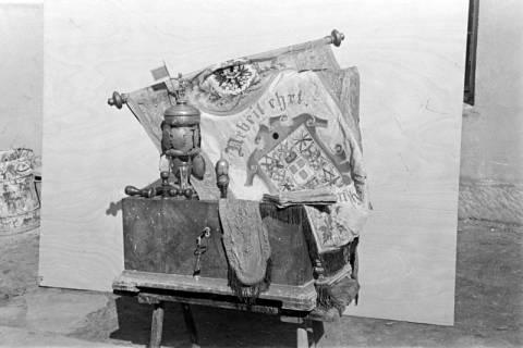 ARH NL Dierssen 1011/0021, Alte Handwerkerlade bei Tischlermeister Christopher, 1950