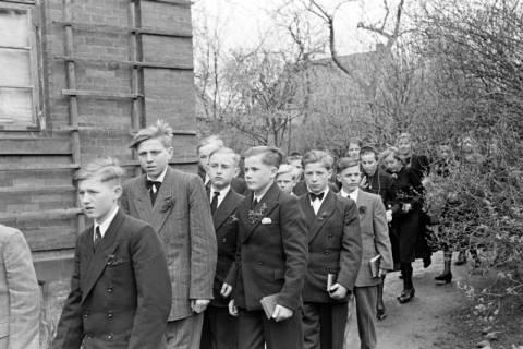 ARH NL Dierssen 1013/0013, Konfirmation (Umzug), 1950