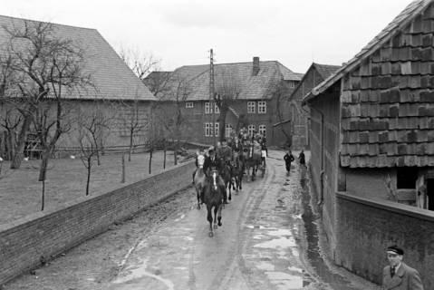 ARH NL Dierssen 1013/0027, Konfirmation (Reitverein bei Landrat Woltmann), 1950