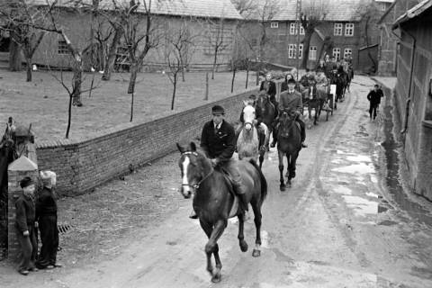 ARH NL Dierssen 1013/0028, Konfirmation (Reitverein bei Landrat Woltmann), 1950