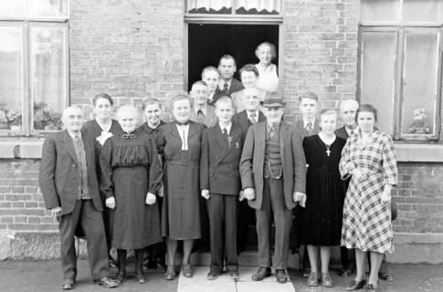 ARH NL Dierssen 1014/0008, Konfirmation Volk, 1950