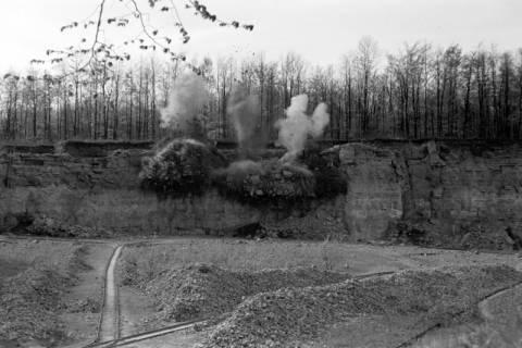 ARH NL Dierssen 1022/0018, Sprengung im Kalkbruch, 1950