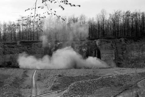 ARH NL Dierssen 1022/0019, Sprengung im Kalkbruch, 1950