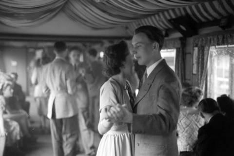 ARH NL Dierssen 1024/0025, Ausflug mit dem Niedersachsen Tanz-Express nach Bad Harzburg, 1950