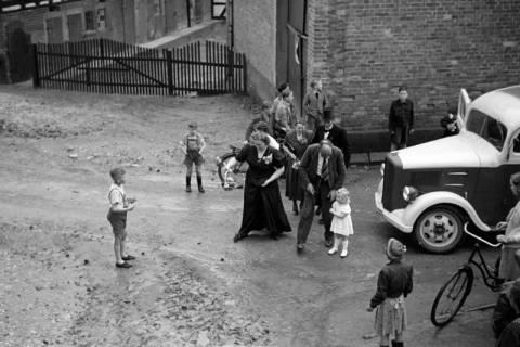 ARH NL Dierssen 1029/0022, Hochzeit Gassmann, Völksen, 1950