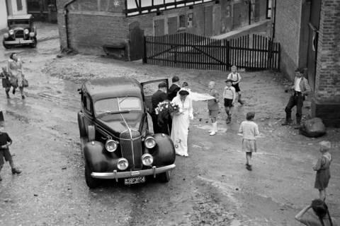 ARH NL Dierssen 1029/0023, Hochzeit Gassmann, Völksen, 1950