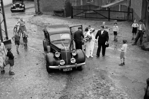ARH NL Dierssen 1029/0024, Hochzeit Gassmann, Völksen, 1950