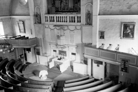 ARH NL Dierssen 1034/0014, Innenansicht der Kirche St. Lukas, Pattensen, 1950