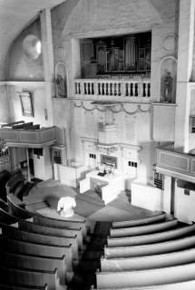 ARH NL Dierssen 1034/0015, Innenansicht der Kirche St. Lukas, Pattensen, 1950
