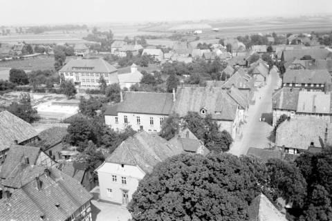 ARH NL Dierssen 1034/0016, Blick vom Turm der Kirche St. Lukas, Pattensen, 1950