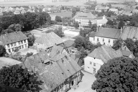 ARH NL Dierssen 1034/0020, Blick vom Turm der Kirche St. Lukas, Pattensen, 1950
