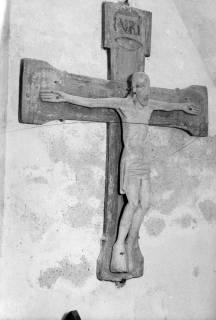 ARH NL Dierssen 1035/0006, Kruzifix des 13. Jahrhunderts in der St. Dionysius Kirche, Adensen, 1950
