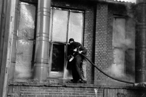 ARH NL Dierssen 1037/0009, Brand der Lackiererei Bähre, Springe, 1950