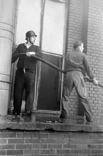 ARH NL Dierssen 1037/0012, Brand der Lackiererei Bähre, Springe, 1950