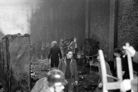 ARH NL Dierssen 1037/0015, Brand der Lackiererei Bähre, Springe, 1950