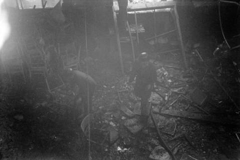 ARH NL Dierssen 1037/0016, Brand der Lackiererei Bähre, Springe, 1950