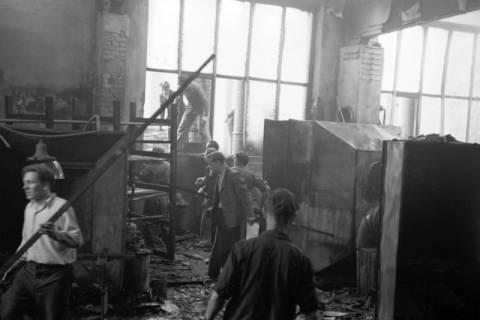 ARH NL Dierssen 1037/0018, Brand der Lackiererei Bähre, Springe, 1950