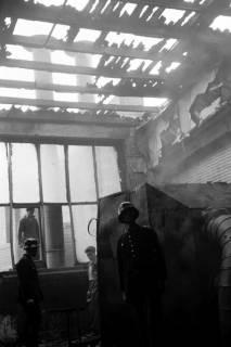 ARH NL Dierssen 1037/0019, Brand der Lackiererei Bähre, Springe, 1950