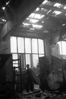 ARH NL Dierssen 1037/0020, Brand der Lackiererei Bähre, Springe, 1950
