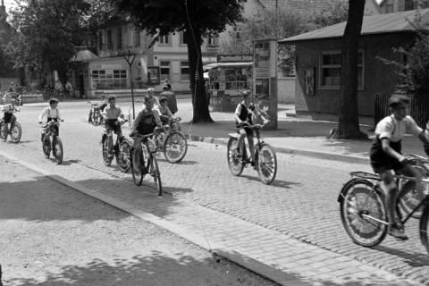 """ARH NL Dierssen 1041/0010, Rad-Werbung """"Caritas ruft"""", 1950"""