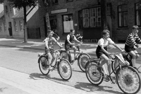 """ARH NL Dierssen 1041/0012, Rad-Werbung """"Caritas ruft"""", 1950"""
