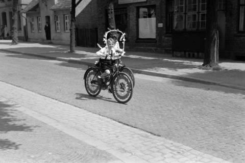 """ARH NL Dierssen 1041/0013, Rad-Werbung """"Caritas ruft"""", 1950"""