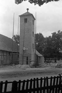 ARH NL Dierssen 1075/0004, Bau des Feuerwehrturms, Fuhrberg, 1950