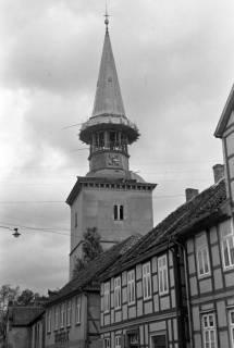 ARH NL Dierssen 1077/0020, Marktstraße mit Blick auf den Kirchturm, Burgdorf, 1950