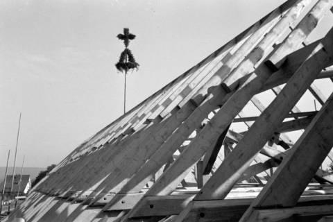 ARH NL Dierssen 1082/0003, Richtfest Katholische Kirche, Springe, 1950
