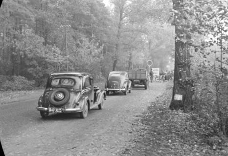 ARH NL Dierssen 1085/0017, Straßenbau und Umleitung des Verkehrs, Kirchhorst, 1950