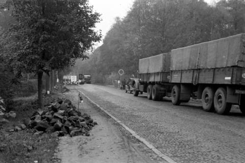 ARH NL Dierssen 1085/0019, Straßenbau und Umleitung des Verkehrs, Kirchhorst, 1950