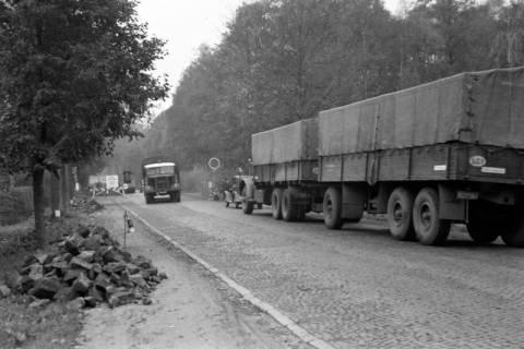 ARH NL Dierssen 1085/0020, Straßenbau und Umleitung des Verkehrs, Kirchhorst, 1950