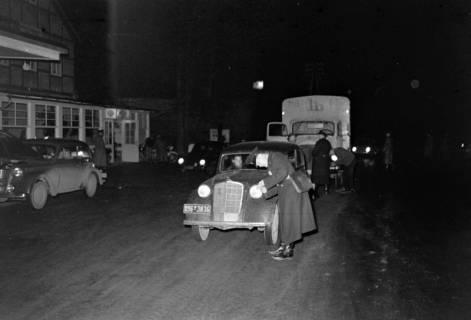 ARH NL Dierssen 1090/0018, Nächtliche Verkehrskontrolle, Thiedenwiese, 1950