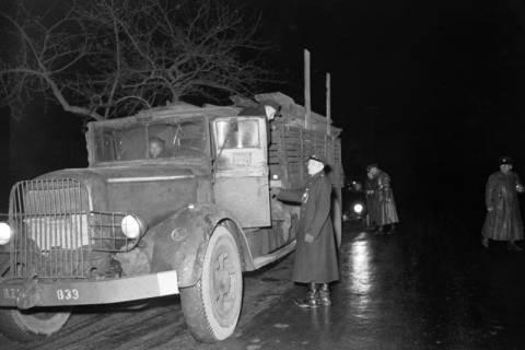 ARH NL Dierssen 1090/0020, Nächtliche Verkehrskontrolle, Thiedenwiese, 1950