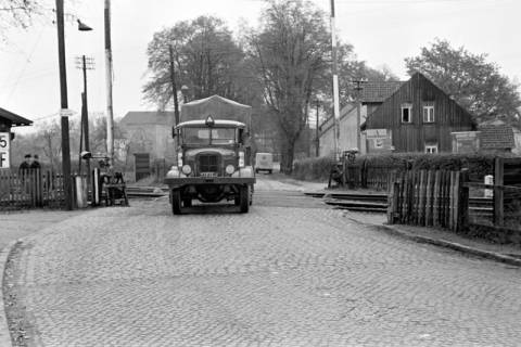 ARH NL Dierssen 1092/0009, Bahnübergang, Ehlershausen, 1950