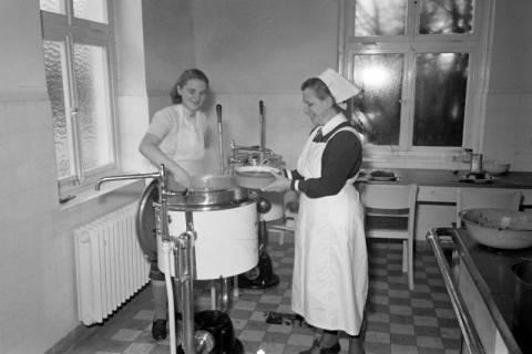 ARH NL Dierssen 1111/0020, Friederikenstift, Bad Münder, 1951