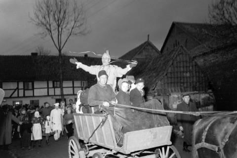 ARH NL Dierssen 1116/0019, Kinderfasching, Hachmühlen, 1951