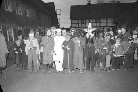 ARH NL Dierssen 1116/0021, Kinderfasching, Hachmühlen, 1951