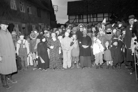 ARH NL Dierssen 1116/0022, Kinderfasching, Hachmühlen, 1951