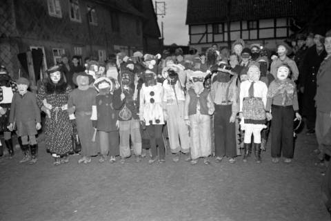 ARH NL Dierssen 1116/0024, Kinderfasching, Hachmühlen, 1951