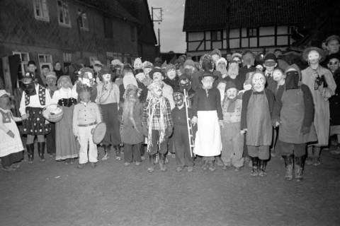 ARH NL Dierssen 1116/0025, Kinderfasching, Hachmühlen, 1951