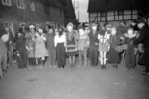 ARH NL Dierssen 1117/0003, Kinderfasching, Hachmühlen, 1951