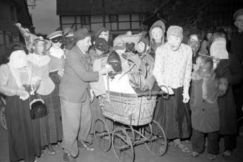 ARH NL Dierssen 1117/0005, Kinderfasching, Hachmühlen, 1951
