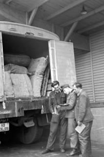ARH NL Dierssen 1122/0002, Kontrolle an der Zonengrenze, Helmstedt, 1951