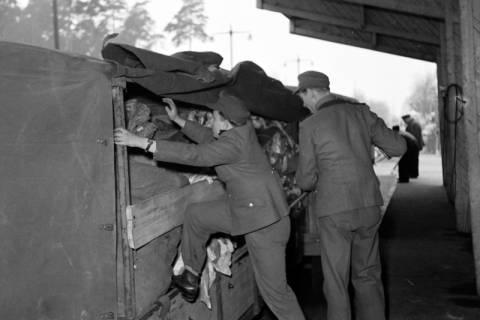 ARH NL Dierssen 1122/0008, Kontrolle an der Zonengrenze, Helmstedt, 1951
