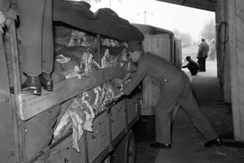 ARH NL Dierssen 1122/0009, Kontrolle an der Zonengrenze, Helmstedt, 1951