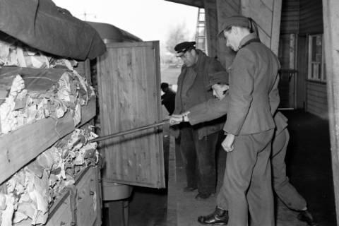 ARH NL Dierssen 1122/0011, Kontrolle an der Zonengrenze, Helmstedt, 1951