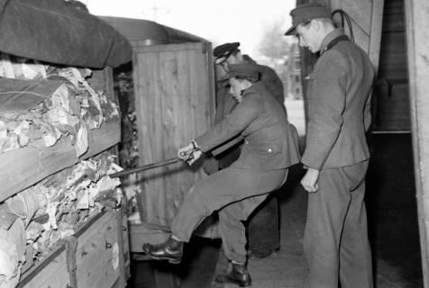 ARH NL Dierssen 1122/0012, Kontrolle an der Zonengrenze, Helmstedt, 1951